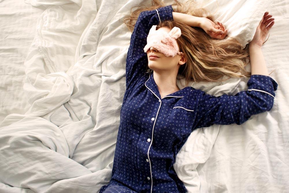 Mujer descansando en pro de su vida