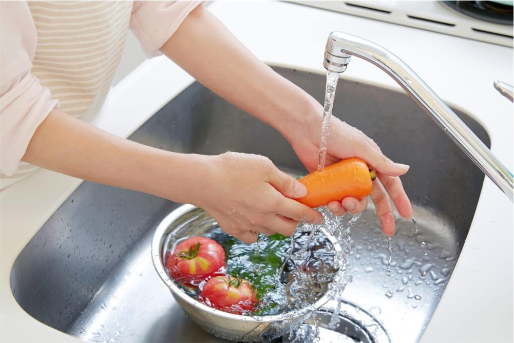 lavando vegetales