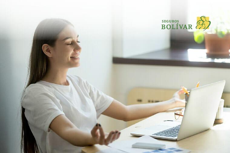mujer practica Mindfulness