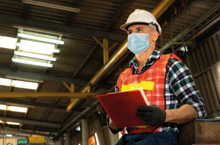 trabajador con sistema general de riesgos laborales